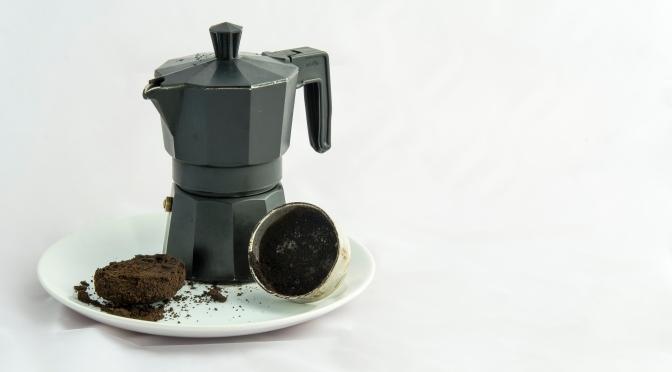 Alimenta tu jardín con los posos del café