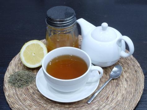 Infusión de tomillo con miel y limón